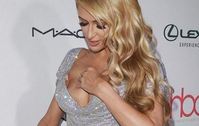 Paris Hilton: Το σέξι ατύχημα στα Hollywood Beauty Awards!